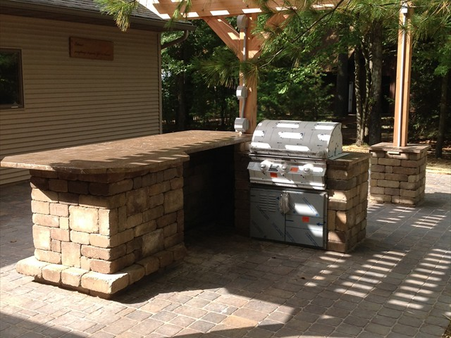Lake House: opposite view of outdoor kitchen.
