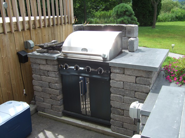 Outdoor grill surround and concrete countertops